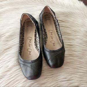 TOMS Black Ballet Flats Size 8